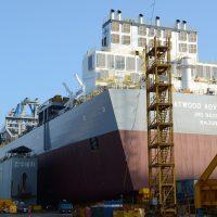 Atwood Advantage skidding onto launching barge